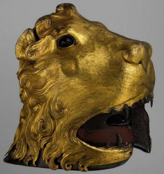 Салад в форме львиной головы.